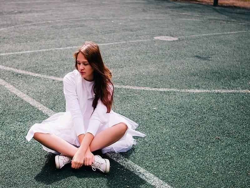 Causas sintomas y factores del síndrome premenstrual en la adolescencia.