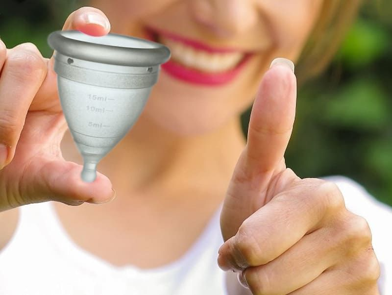 como se pone la copa menstrual Naturcup
